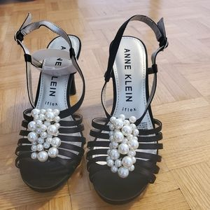 ANNE KLEIN PEARL SANDALS